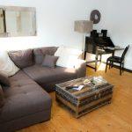 Ferienwohnung am Schloß - Gemütliches Sofa im Wohnzimmer