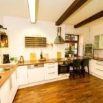 Ferienwohnung Altes Forsthaus - Eine Große helle Küche