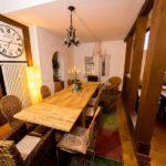 Ferienwohnung Altes Forsthaus - Gemeinsam Speisen an der langen Taffel