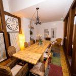Ferienwohnung Altes Forsthaus - Eine lange Tafel für gemeinsames Essen