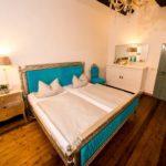 Ferienwohnung Altes Forsthaus - Seitenansicht des Blauen Bettes