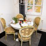 Ferienwohnung am Schloß -Gemeinsames Essen am Esstisch