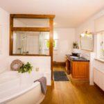 Landhaus am Himmelsberg - Einblick ins Badezimmer