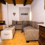 Landhaus am Schloß - Blick auf gemütliches Sofa