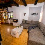 Landhaus am Schloß - Großzügige Couch mit viel Platz