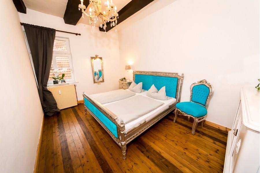ferienwohnung altes forsthaus schlafzimmer hellblau