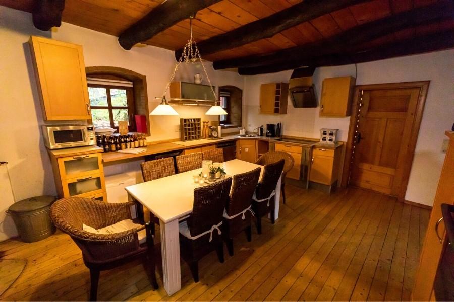 landhaus am schloß küche mit essbereich